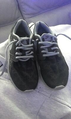nike thea trainers worn 3 times paid £80 size 4.5