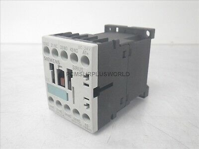3RH1131-1BB40 Siemens Auxiliary Contactor 24Vdc 10A 240Vac (New No Box)