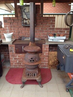 Vintage Cast Iron Masport Pittsburgh Pot Bellied Stove In Vg Condition.