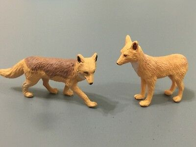 Noah's Pals Animal figure 1/24 Two Golden Jackal Jason and Jennifer pair in box