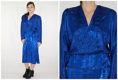Vintage 70´s WRAP + PEPLUM DRESS bright + textural poly KLEIN BLUE made in Spain