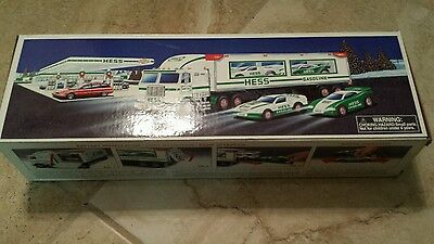 NIB HESS Toy truck and Racers 1997