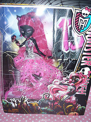 "Monster High ""13 Wishes"" Pop Star Diva Catty Noir Doll NEW/NIB"