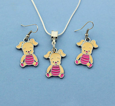 """Gorgeous Girls Pretty Pink """"piglet"""" Pendant Necklace & Matching Earrings Set!"""