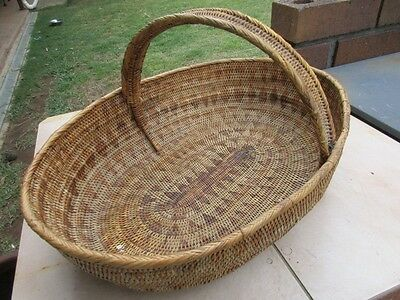 Vintage Hand Woven Papua New Guinea Basket with Handle - 1960's - Nice!!