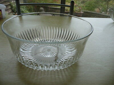 Glass Trifle Bowl With Fluted Bottom