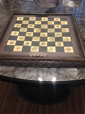 REDUCED - Lord of the Rings Chess Set 2 with Deluxe Board and Magazines