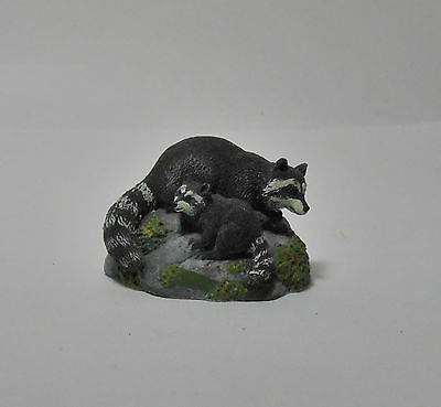 Miniature Hallmark Racoon with kit (baby) Figurine Majestic Wilderness