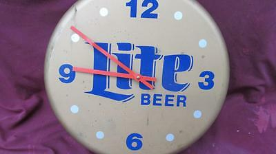Vintage 1994  Light Beer Bottle Cap Clock Perfect Working Man Cave Bar 13 By 4