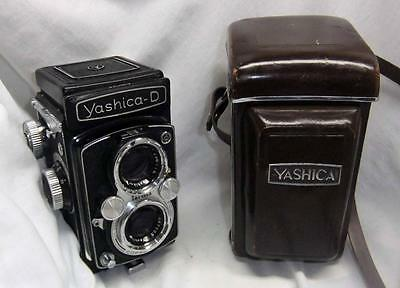 YASHICA D CAMERA Vintage TLR YASHICOR 3.5 / 80 f=80 TWIN LENSES REFLEX