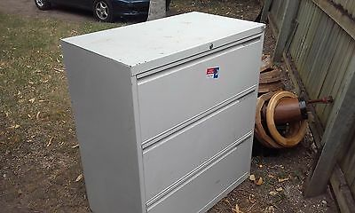 Solid Steel Cabinet 3 Drawers no key