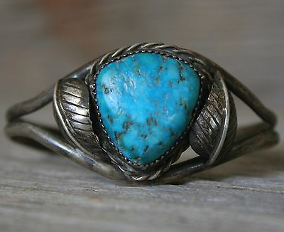 Lovely Vintage Navajo Native American Turquoise Sterling Silver Cuff Bracelet