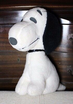 Vintage 1968 Snoopy Plush Figure Determined Productions, Inc. United Features