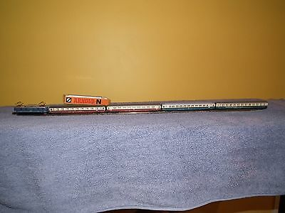 #5 N scale German model train, Arnold Electric loco and 4 coaches