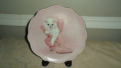 Vintage Pink 8 1/4 Inch White Cat / Kitten In Boot Wall Plate Signed By Artist