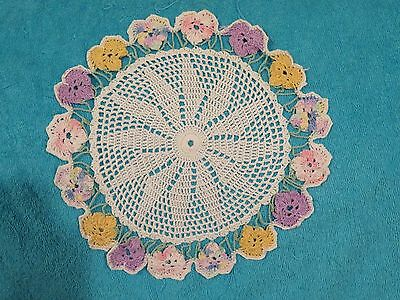 VINTAGE WHITE FLOWER CENTER DOILY WITH PINK,yellow,purple hearts WITH GREEN