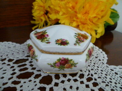 Royal Albert Old Country Roses HEX Trinket BOX  10 cm wide