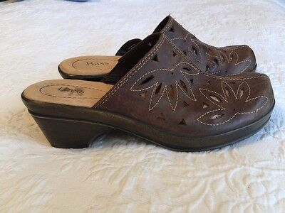Ladies Bass Shoes Slides Brown Leather with Cutouts, Sz 7 M