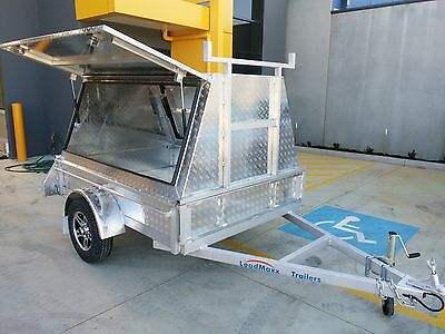 Top quality tradesman trailer 7x5 from Loadmaxx trailers