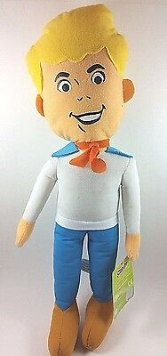 """Scooby Doo And The Mystery Gang Fred Jones 17"""" Plush Stuffed Doll"""