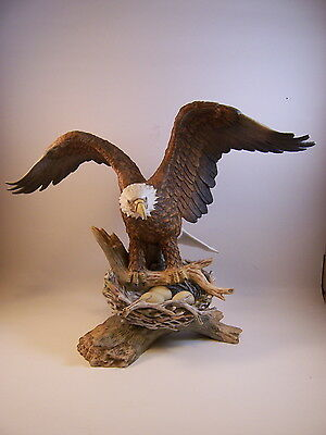 """Crystal Cathedral Ministeries EAGLE w/Nest & Eggs 9"""" Porcelain Figurine"""