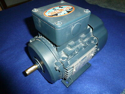 Nos Leeson 192030-00 Metric Electric Motor 1/2 HP 3425 RPM 3 Phase D71 Frame