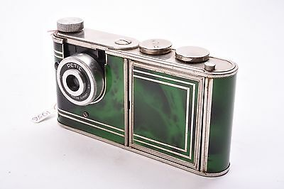 "KUNIK - Petie Vanity camera. 1956.   This ""Ladies' Vanity Camera Set"""