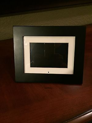 PANDIGITAL Digital Screen 6- Inch Color LCD Picture Frame