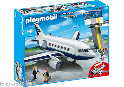 NEW & COMPLETE Playmobil City Action - Cargo and Passenger Aircraft 5261