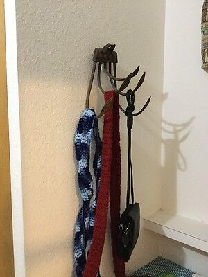 Antique Decor 5 Tine Cultivator Vintage Tool Primitive Rustic Scarf Bag Hat Hook