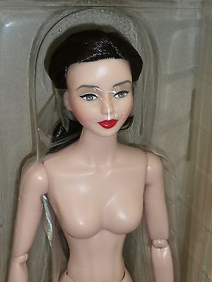 "16"" Urban Vita Brunette Doll New MIB a Dorinda Design by Horsman"