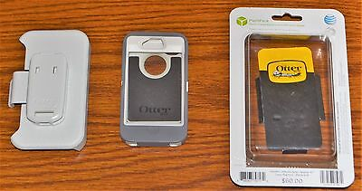 Otterbox iPhone 4/4S Case And Belt Clip (holster) -- Otterbox Defender Series