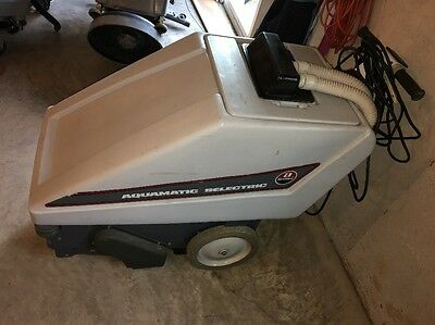 Advance Aquamatic Selectric Self-Propelled Carpet Cleaning Machine