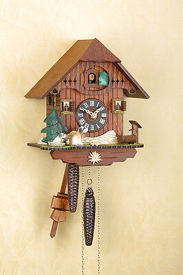 Beautiful Analog Cuckoo Clock with 1-day Chain-Driven Movement, Black Forest