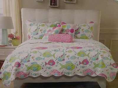3 pc Cynthia Rowley Fishes Full / Queen Quilt and Shams Set NIP