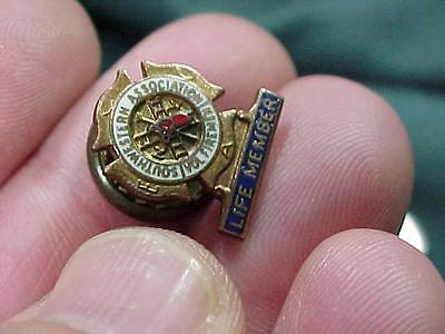 Southwestern Association of Volunteer Firemen Screwback Vintage Pin  (15i1)