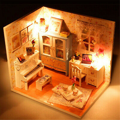 [NEW] Hoomeda DIY Wood Dollhouse Miniature With LED+Furniture+Cover Doll House R