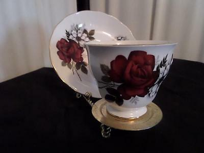 Ridgway Potteries Ltd Footed Queen Anne Tea Cup & Saucer / Red Roses(8429)..MK.