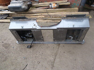 Breaking 2011 Landrover Defender 2.4 Puma 110 Gearbox Tunnel