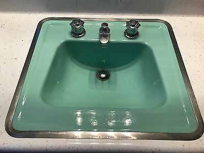 tub, toilet, sink, avacodo green, cast iron excellent condition