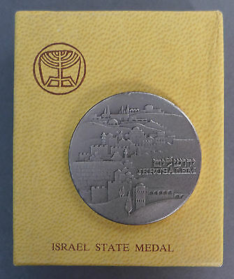ISRAEL State Medal / THE Knesset / .935 STERLING SILVER / 47 grams - with box