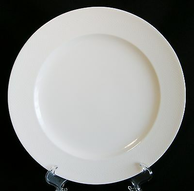 Villeroy & Boch Look Salad Plate   All White Embossed Geometric Rim EUC!