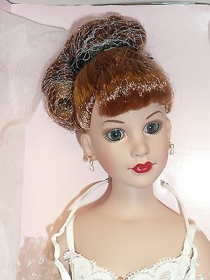 "Beautiful Tonner 17"" Kitty Collier Basic Red MIB"