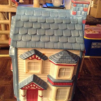 Big house international Inc. ceramic house cookie jar 1993