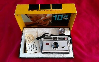 Vintage1967 Kodak Instamatic 104 Camera Original Box w Flash & Old Flim & Manual