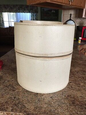 Vintage Old Hat Box