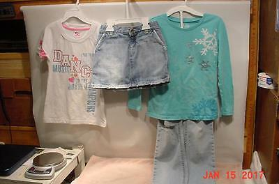 LITTLE GIRLS CLOTHES - (Lot No. 12)  TOPS, SHORTS, JEANS - SIZE 7 - 8