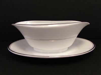 Sincerity by Imperial Gravy Boat w Underplate Platinum Line Verge Platinum Trim