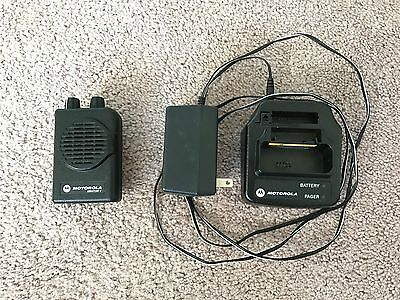 Motorola MINITOR V - UHF PAGER 462-469.9875 MHz 2-CHANNEL NSV w/Charger & Prog