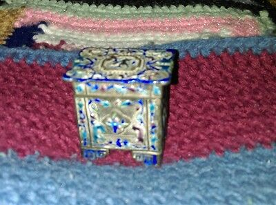 Antique Early Chinese Enamel Footed Snuff Box  Highly Detailed